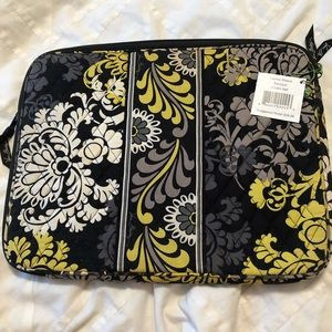 NWT Vera Bradley Laptop sleeve in Baroque